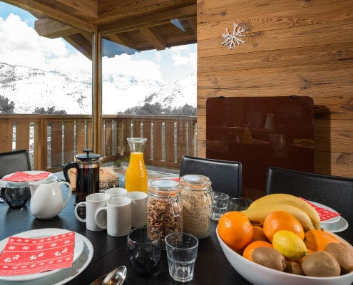Chalet Pure Courchevel breakfast table