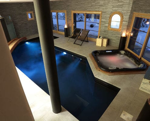 Chalet Igloo Le Praz swimming pool and hot tub